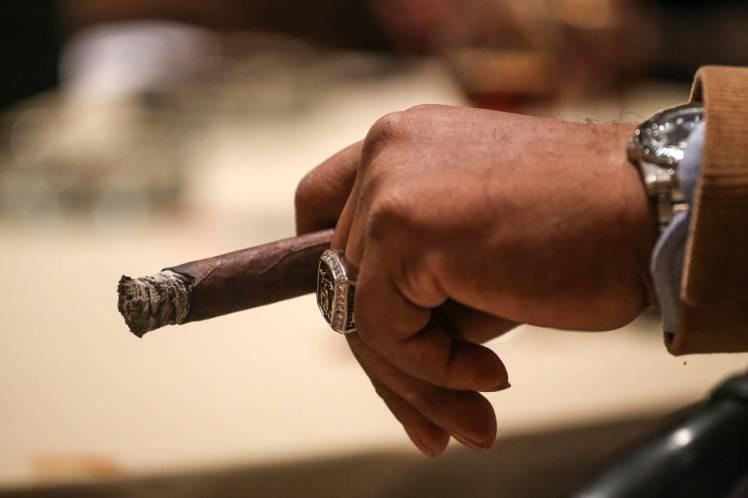 cigar hand